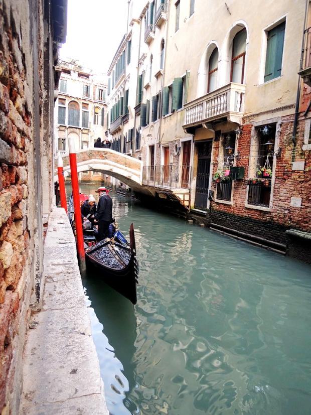Godnola kao prevozno sredstvo u Veneciji