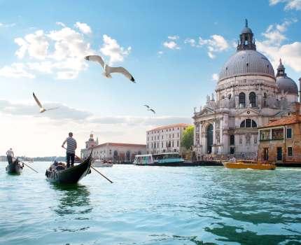 gondole u veneciji - putovanje u veneciju